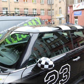 Oklejanie samochodów sportowych