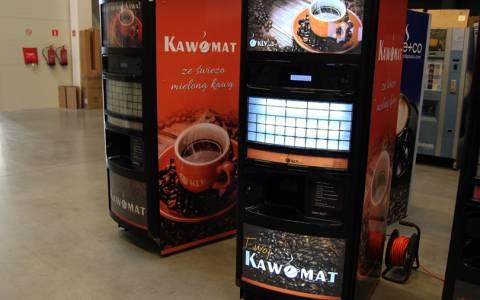 oklejanie-automatow-do-kawy