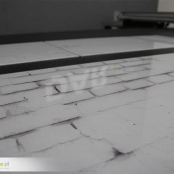 Druk na szkle - biała cegła