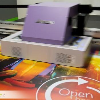 druk UV na pleksi do podświetleń